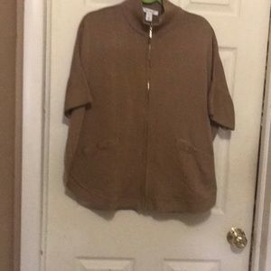 Short sleeve poncho like zip sweater